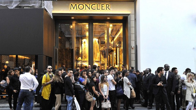 Moncler milano showroom z rich for Showroom moncler milano