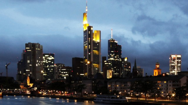 When big banks get into trouble, they leave us with grim alternatives, says Anat Admati: Skyline of Frankfurt.