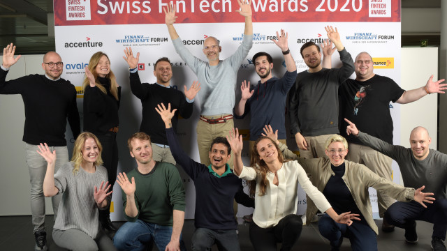 Das Team des Early Stage Start-up of the Year, Legartis: (v. l. ­hinten) Yacine Benyaa, Caecilie An